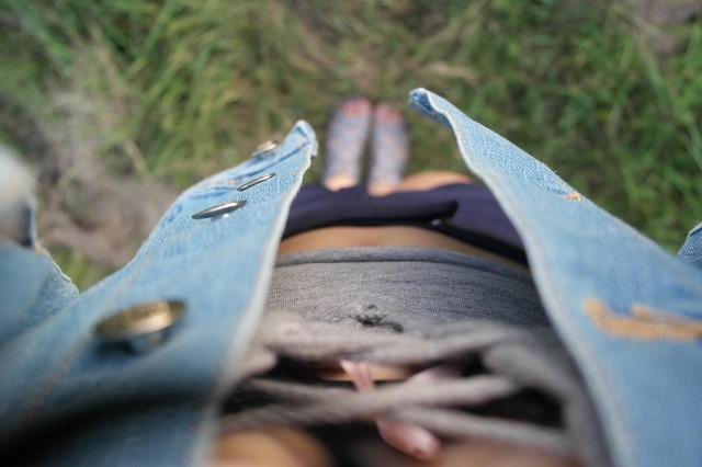 Девушка в летней одежде