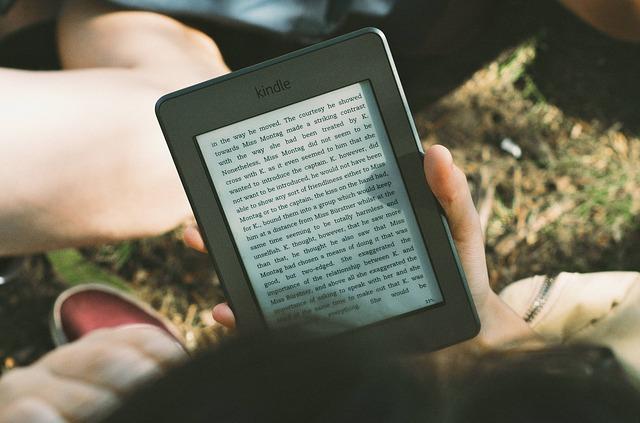 Ненужные книги можно отдать, а нужные - закачать в ридер