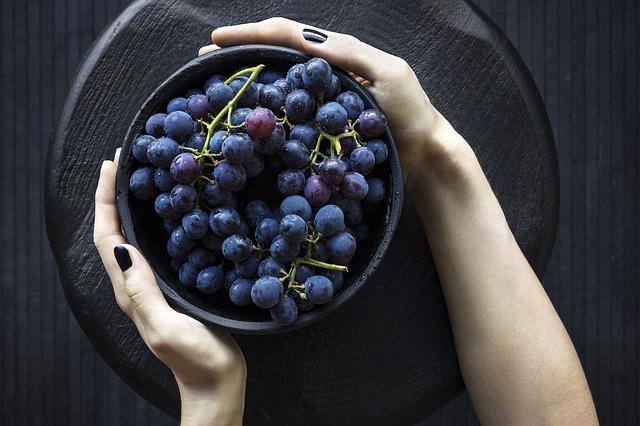 Миска винограда