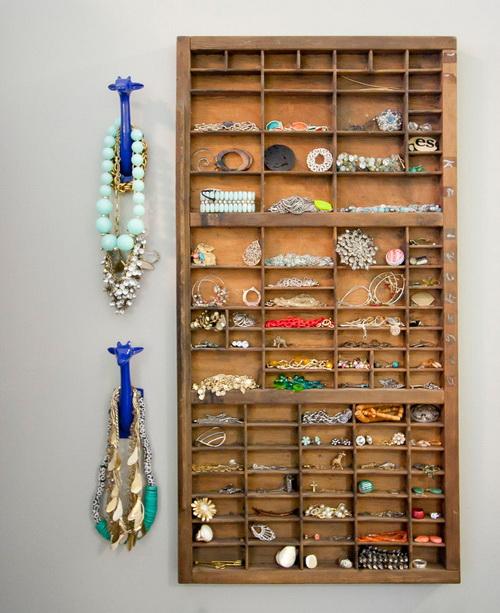 Настенный шкафчик