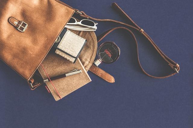 Как навести порядок в женской сумке