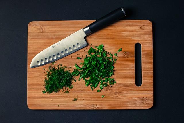 Заготовка свежей зелени на зиму поможет экономить на продуктах питания