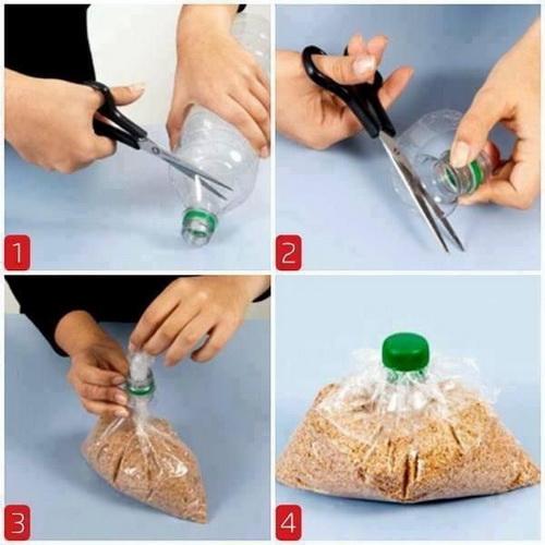Лайфхак для кухни, помогающий проще насыпать крупу из пакета с помощью отрезанного горлышка пластиковой бутылки