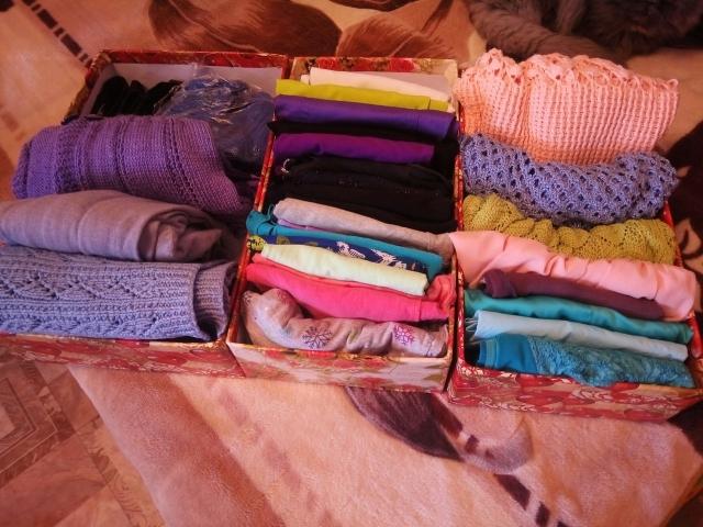 Вертикально хранение одежды в коробках